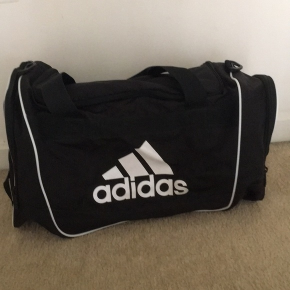 bc77e1eae429 Adidas sports bag